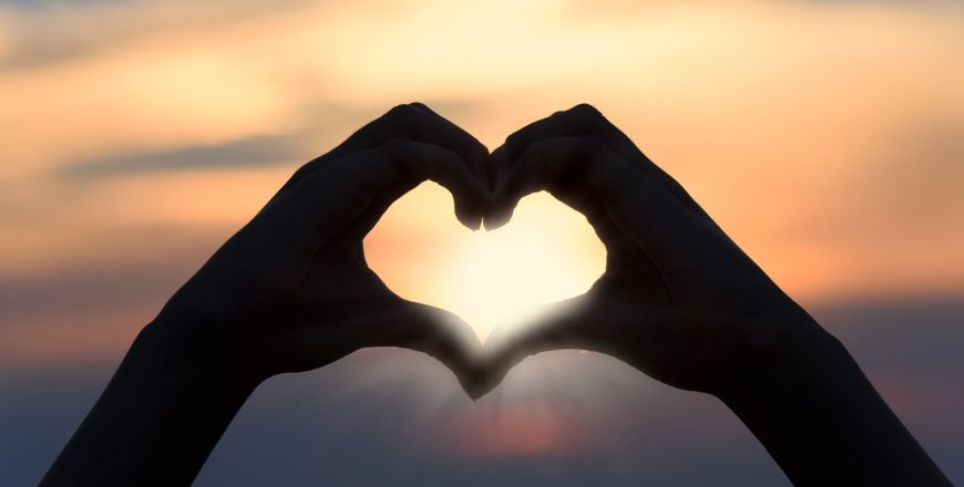 Przebite ręce… za Ciebie… z miłości.