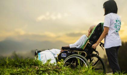 """[KOMENTARZE] """"Bóg chce, żebyś był zdrowy"""", czyli od zbawienia do nieporozumienia"""